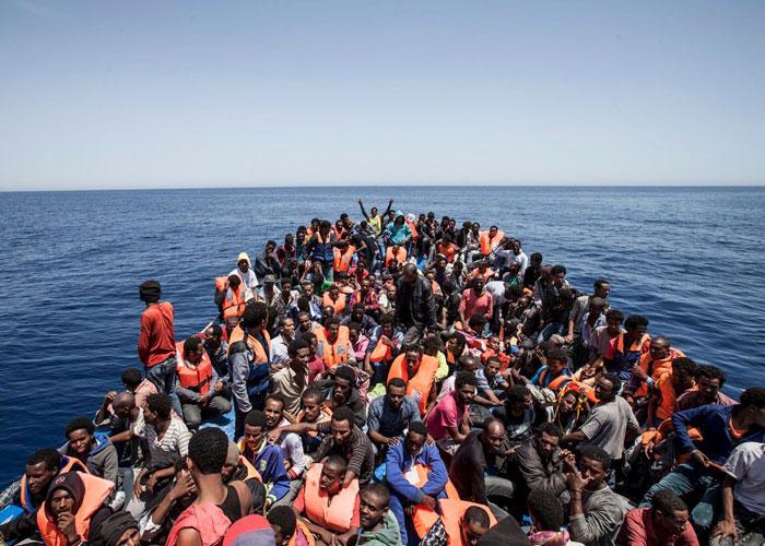 نتيجة بحث الصور عن السفن المقبلة على ايطالية من ليبيا